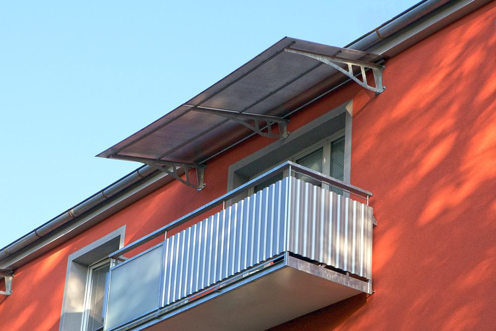Stříška nad balkon