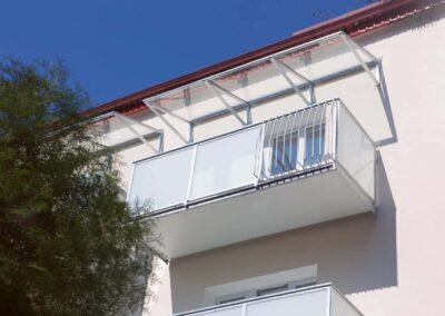 Balkony s kombinovanou výplní