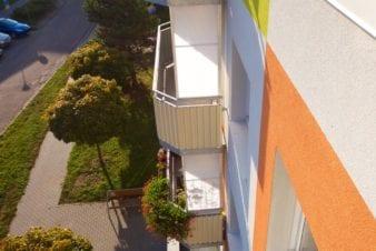 Zástěna balkonová