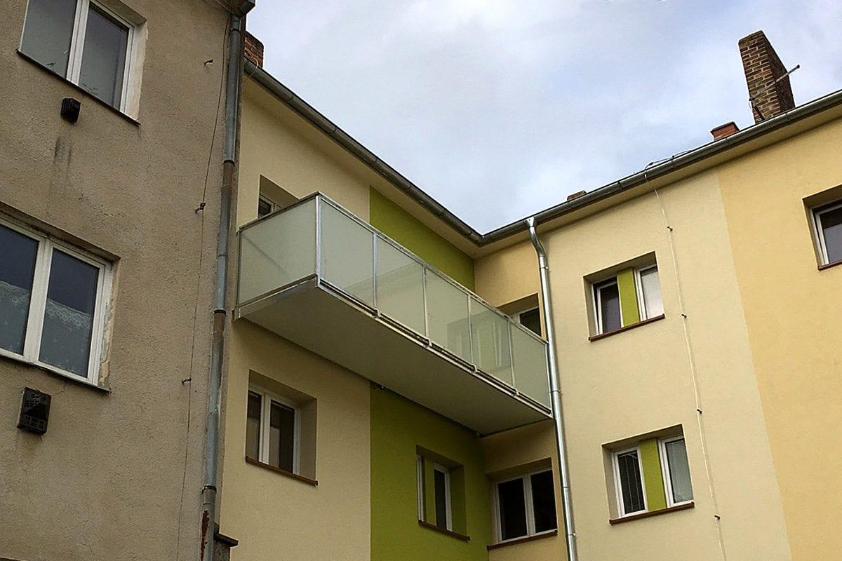 atypický balkón samostatný