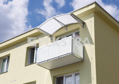 Balkony bez mezery
