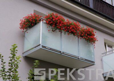 balkon normal výplň sklo