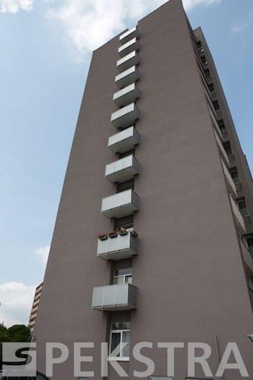Vložená balkonová konstrukce po celé ploše