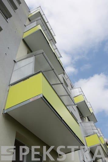 Závěsné ocelové balkony