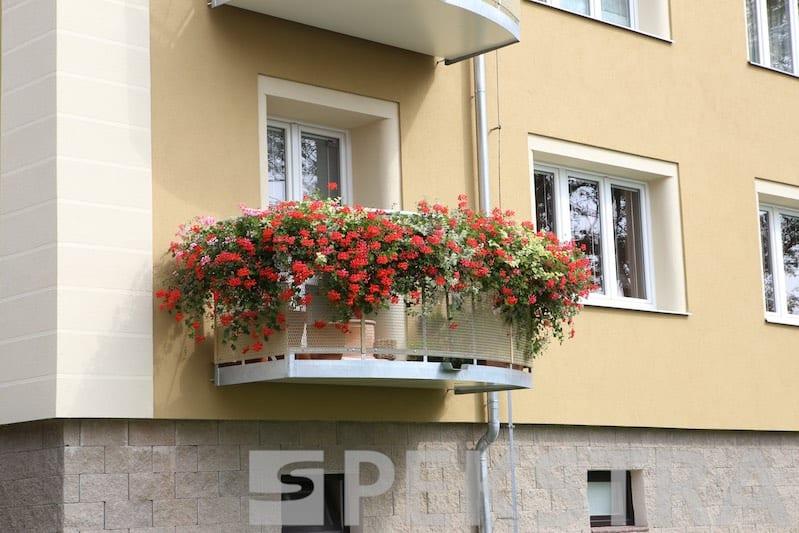 Balkony s výplní tahokov