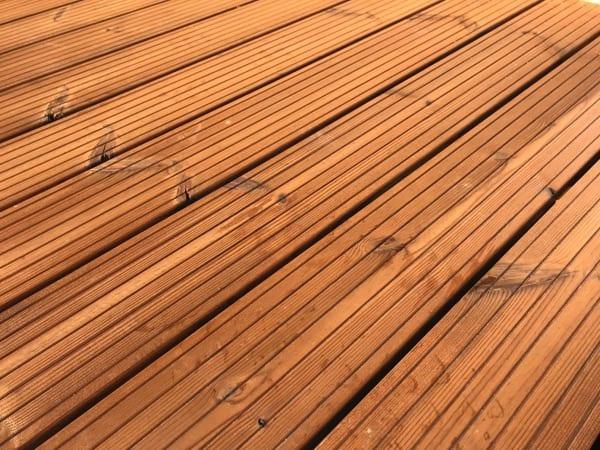 Pavoučí minijeřáb UNIC namontuje balkony pro Vás kdekoliv