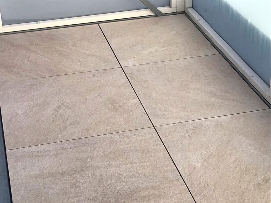 Krytí podlahy lehká 2cm dlažba na terče