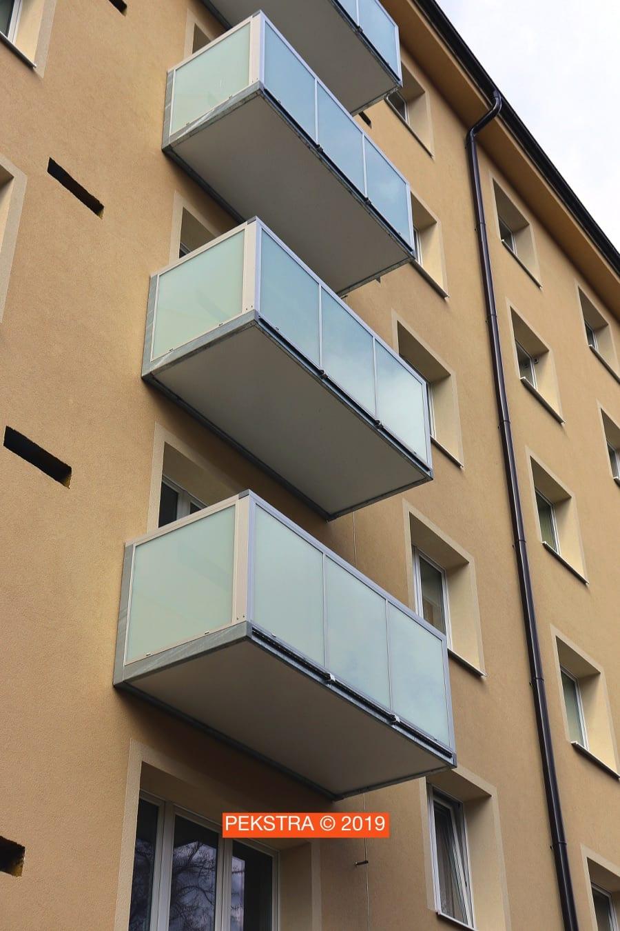 Balkony s hliníkovým madlem