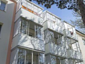 zastřešení horního balkonu