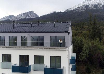 Balkony s výplní sklo