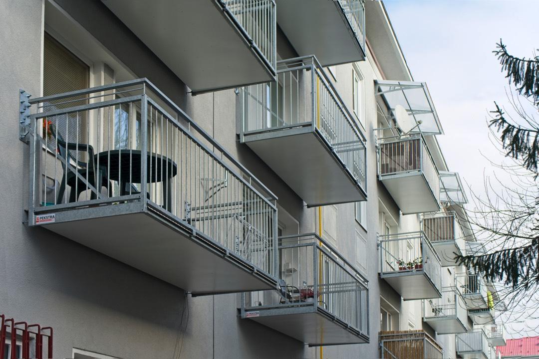 Balkony se žbrdlením