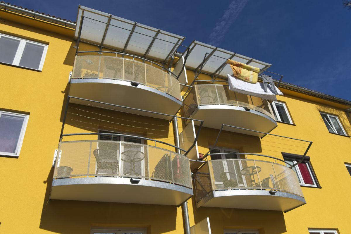 Balkony závěsné výplň tahokov