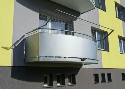 Balkony závěsné hladká výplň