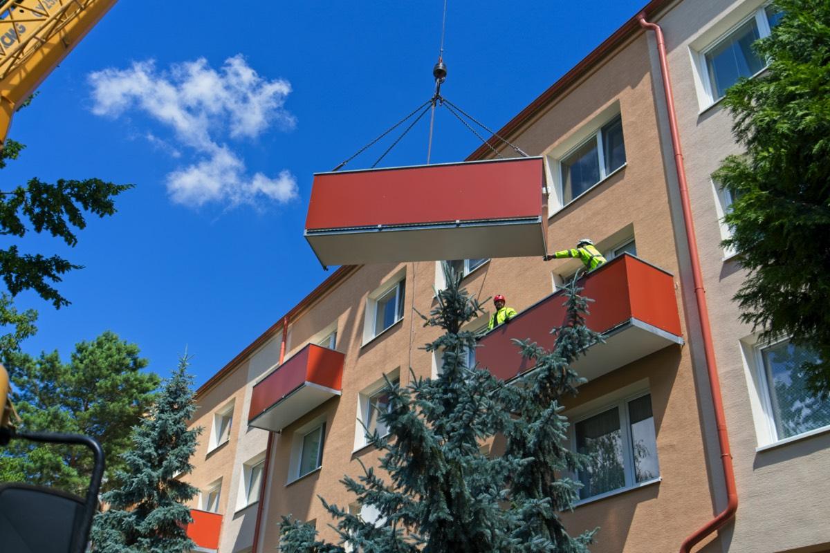 montáž balkonů