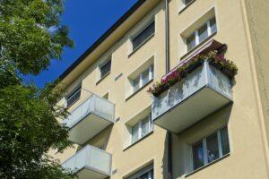Balkon v kombinaci ocel a hliník