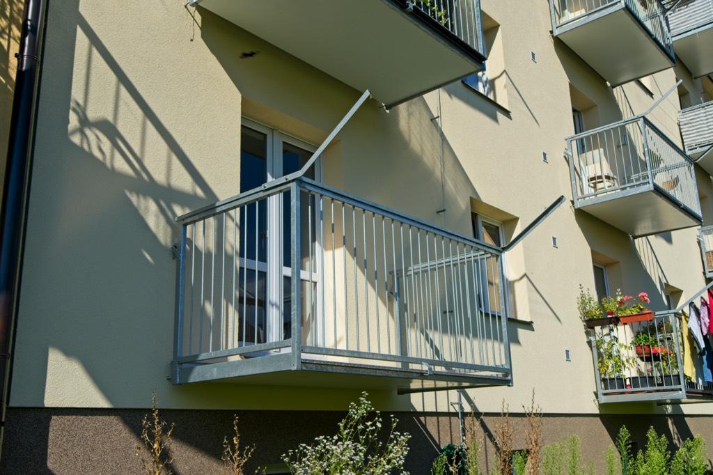 balkon žbrdlení