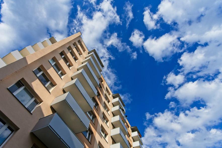 Balkóny s hladkým opláštěním