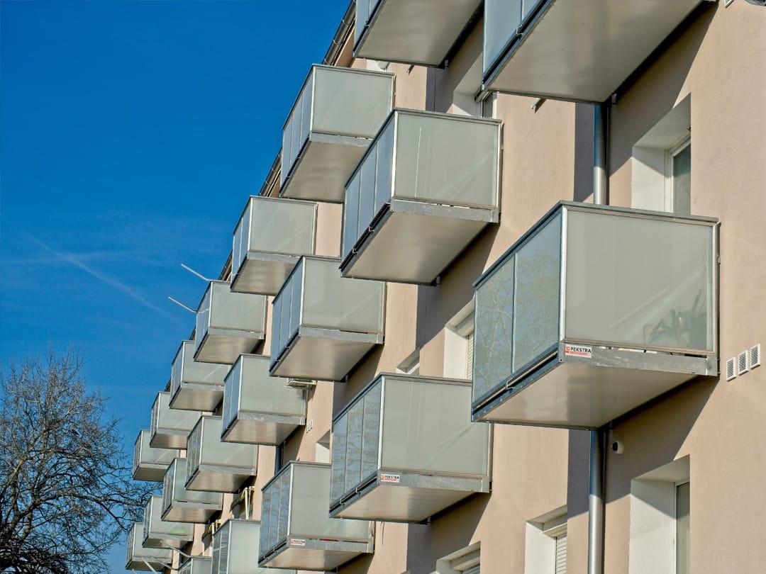 Balkony se skleněnou výplní